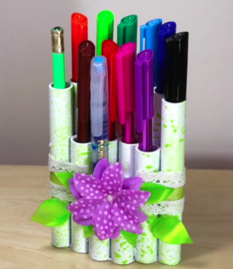 irRESISTibles Texture Spray for an Upcycled Pen Holder