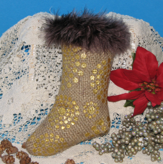 Create a Christmas Stocking with Creative Medium Metallic Gold