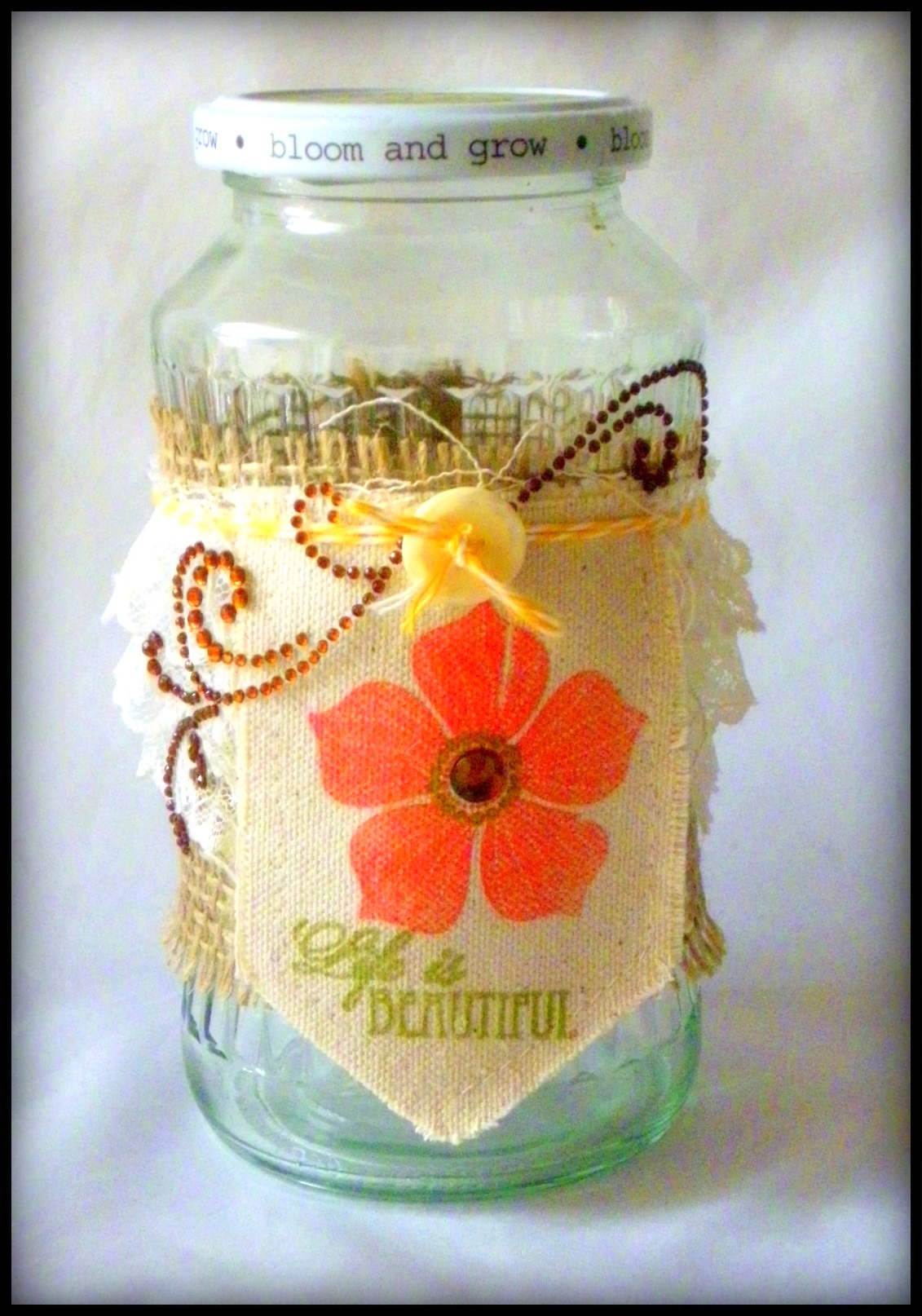 Memento Luxe for an Upcycled Jar with a Fabric Label